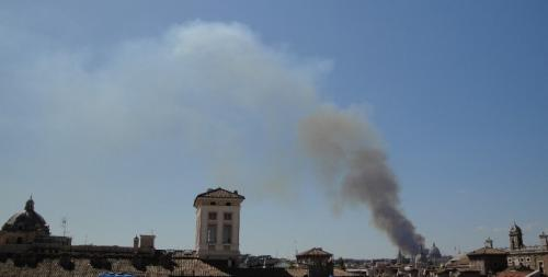 fumo nero su Roma